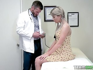 Pretty hottie Vienna Rose-coloured is fucked by handsome young gynecologist