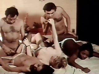 Derriere Le Miroire Sans Tain (1982)