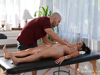 Duncan Saint fucked Julianna Vega aloft the massage couch