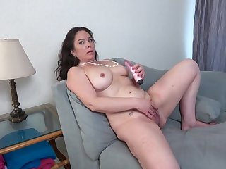 Mature brunette with big, natural boobs, Katrina Sobar likes to duplicate fool around with sex toys, every day